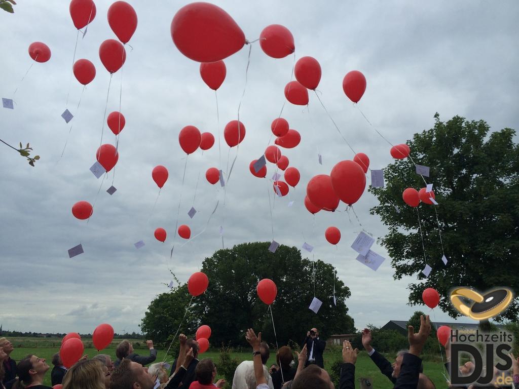 Herzen Ballons im Freien
