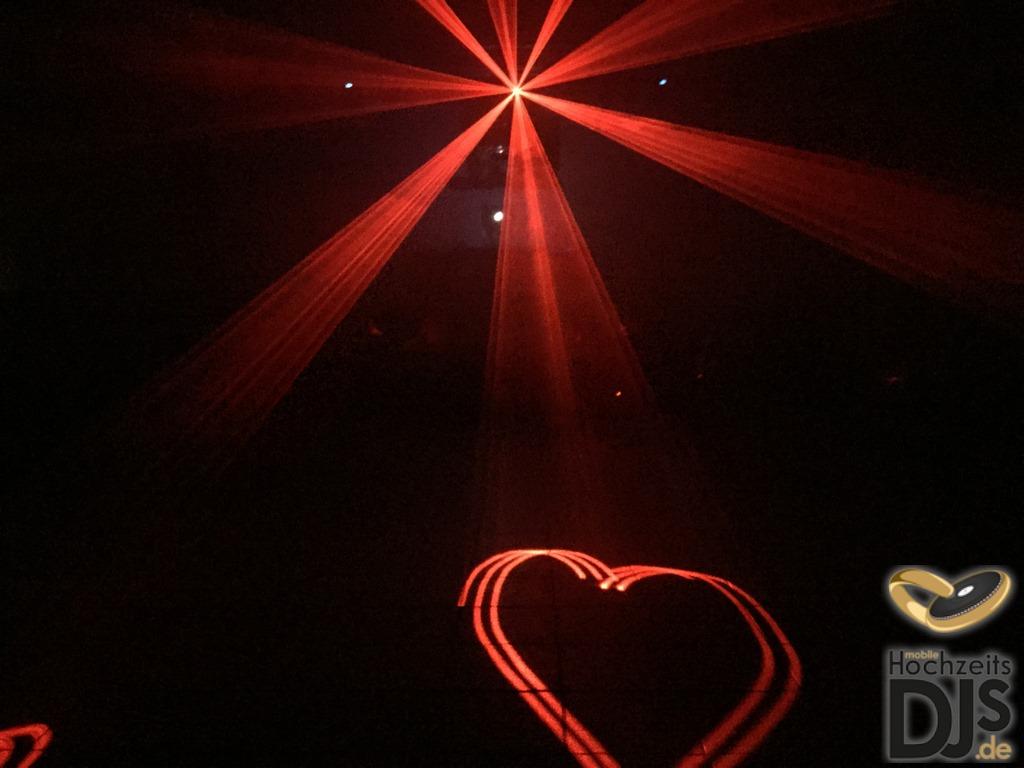Lasershow mit Herzen