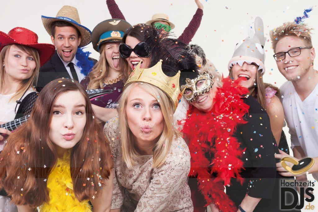 Photobooth mit Hochzeitsgästen