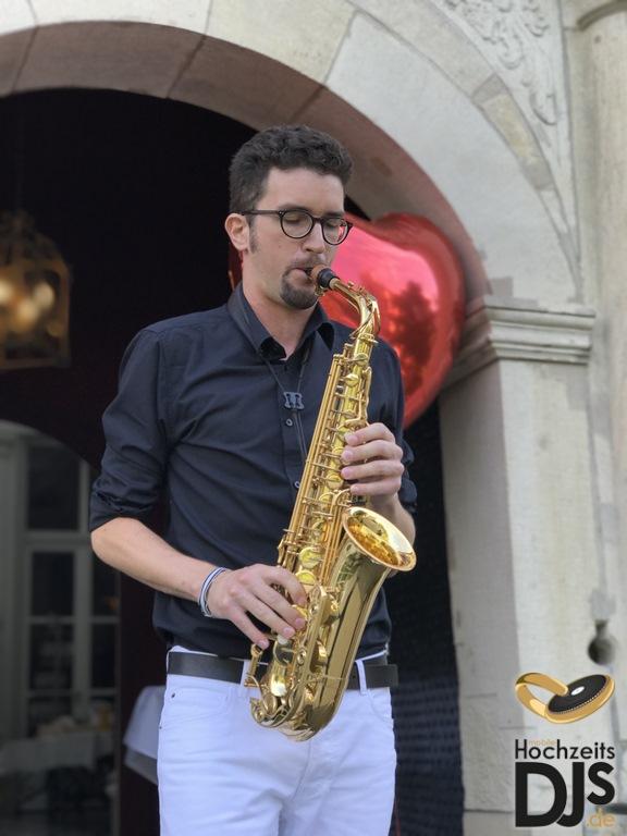 Saxophonist auf einer Hochzeit
