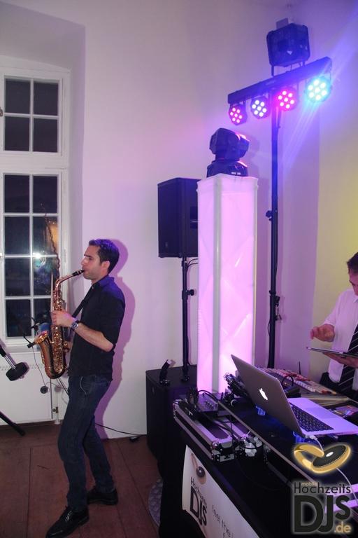 Saxophonist auf einer Hochzeitsfeier