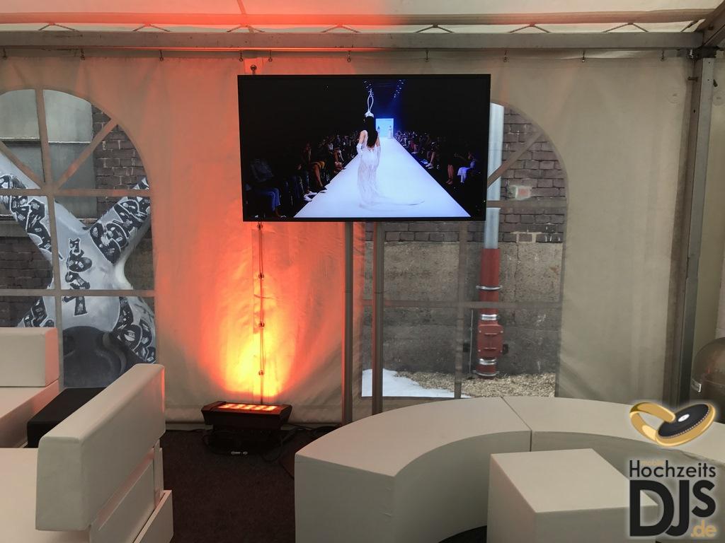 LED Screen mit Floorspot