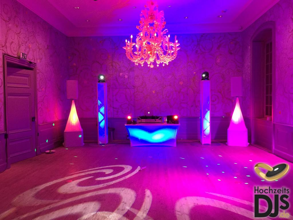 DJ Paket Superior mit White-Wedding Hussen