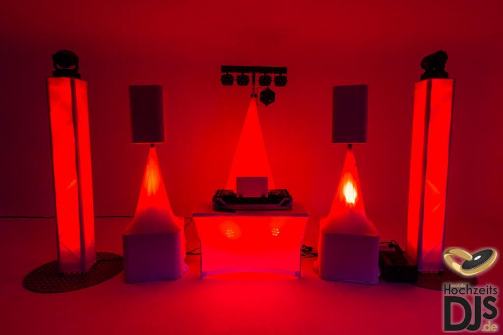 beleuchtetes White-Wedding-Paket mit DJ Paket Superior