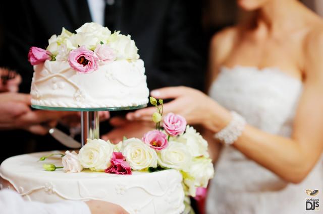 Die Hochzeitstorte Der Richtige Zeitpunkt Hochzeits Dj Blog