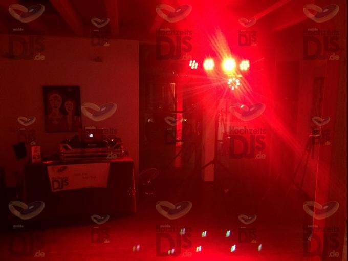 Beleuchtung der Tanzfläche im Brungshof