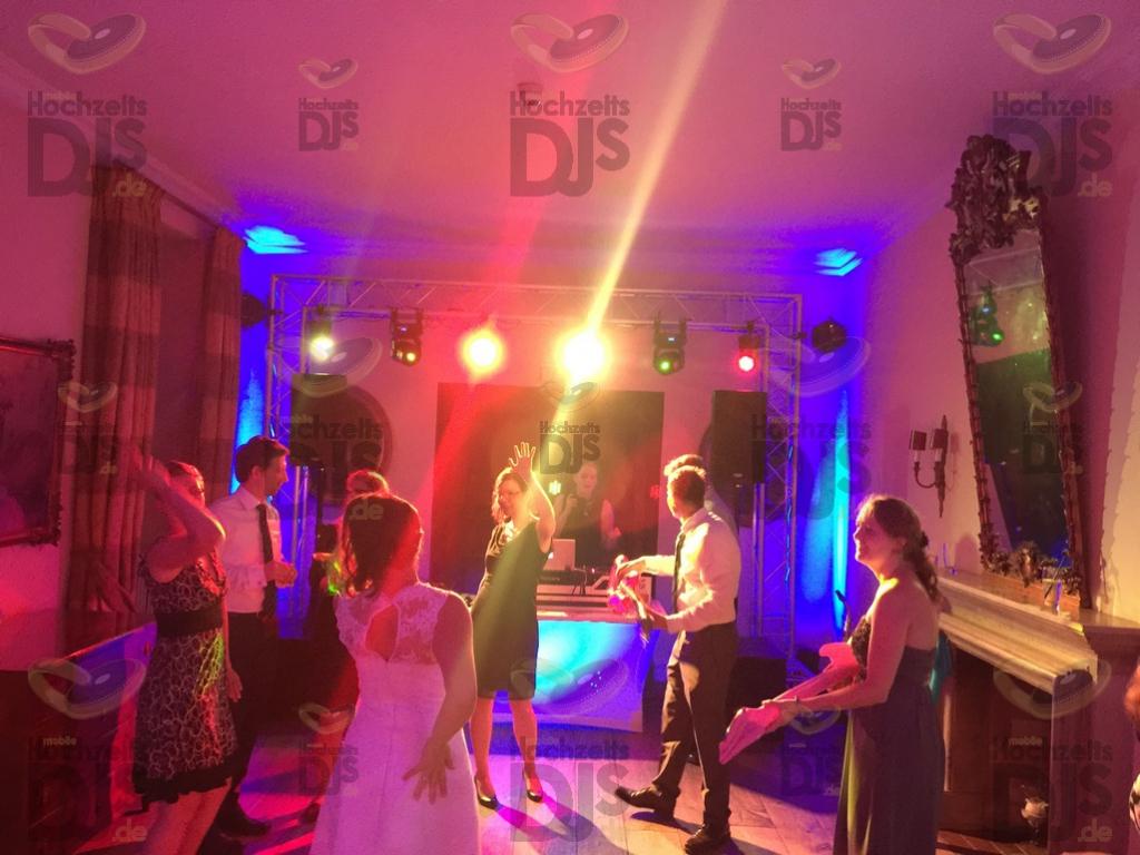 Party mit DJ Paket Superior A im Schloss Auel Lohmar