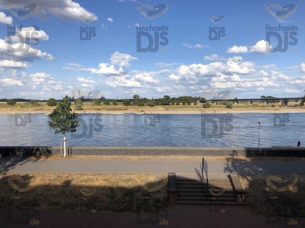 Aussicht auf den Rhein im Chopelin Krefeld