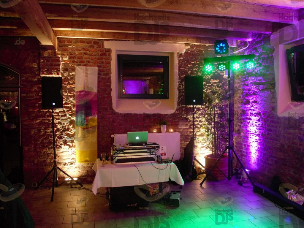 DJ Paket Elegancer mit Floorspots im  Feltgenhof Moers