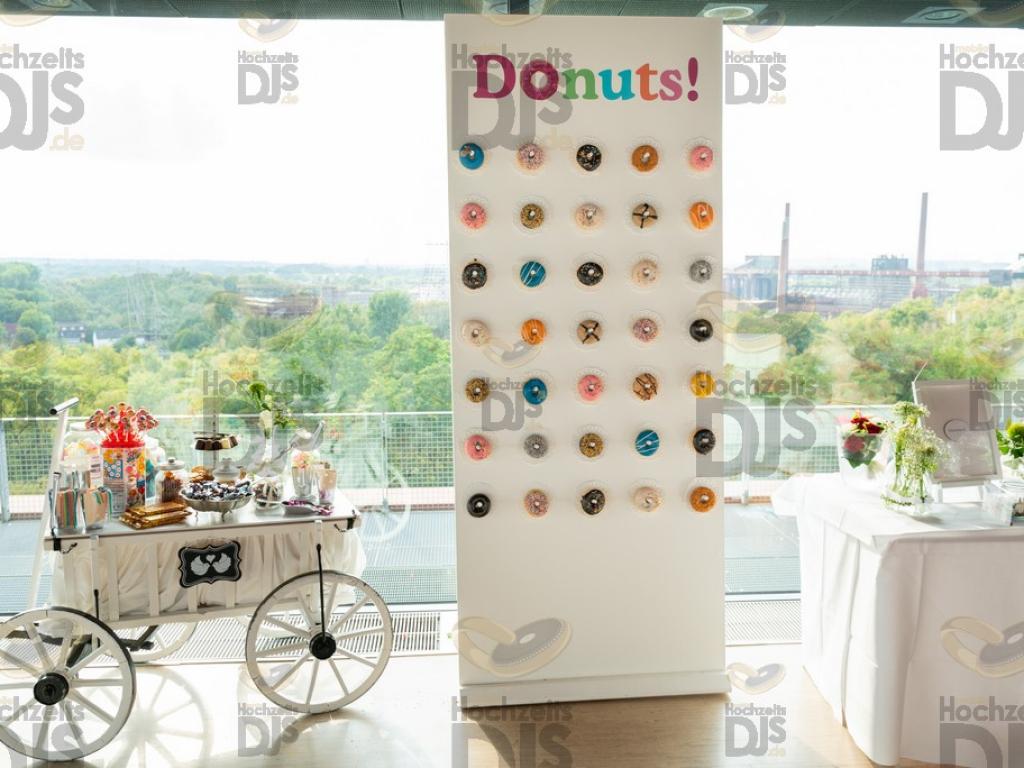 Donutwand im Erich Brost Pavillon Essen