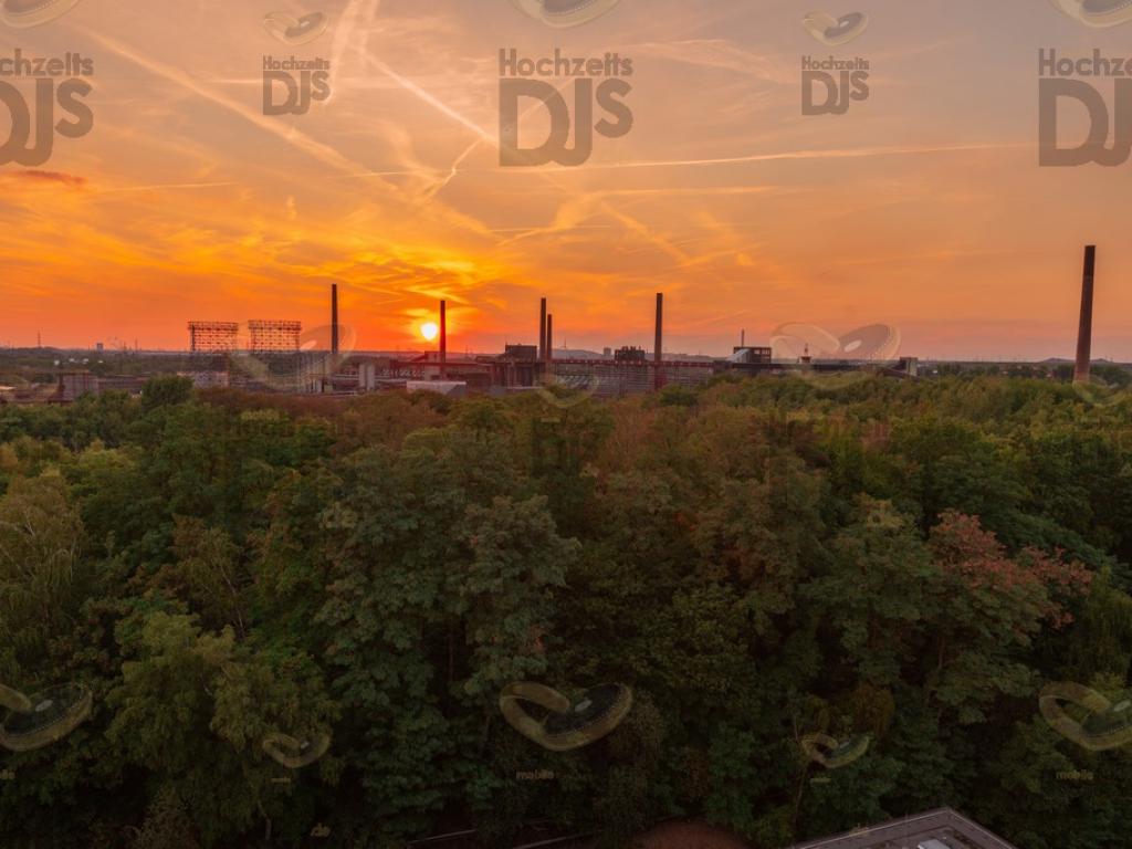 Sonnenuntergang im Erich Brost Pavillon Essen