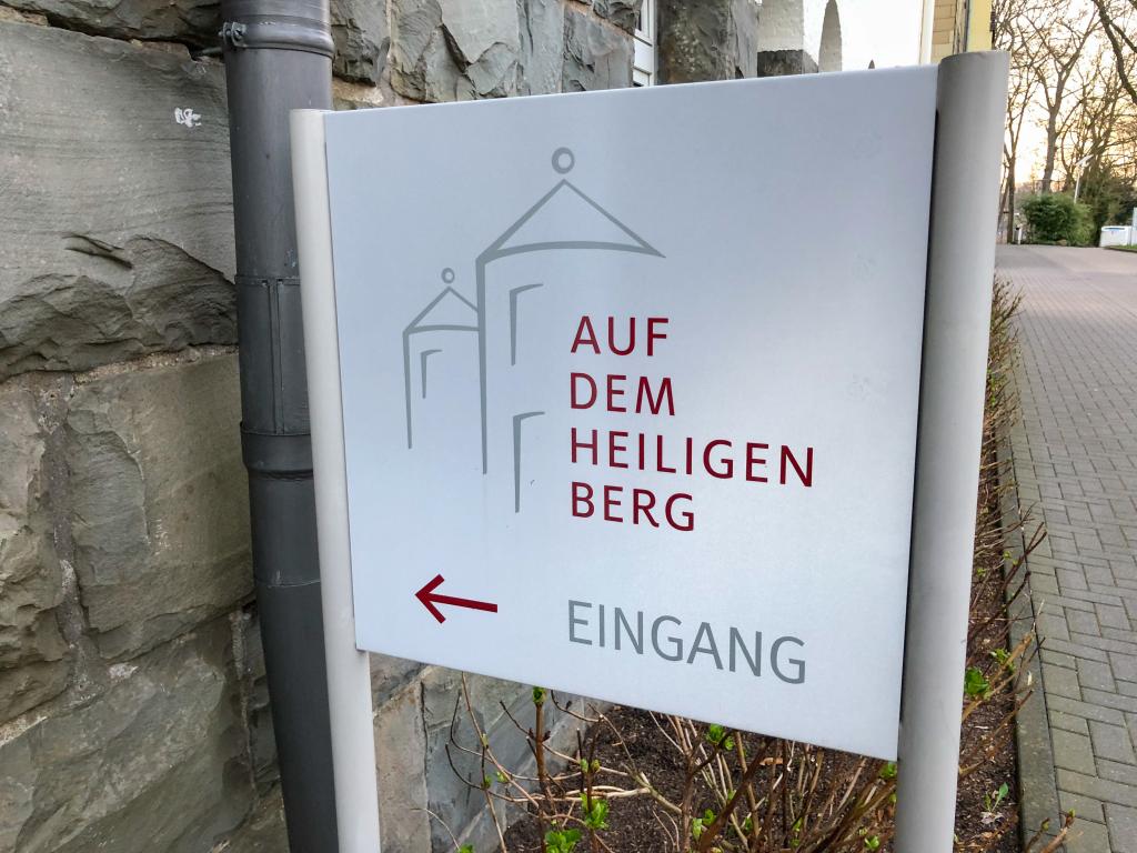 Schild auf dem heiligen Berg Wuppertal