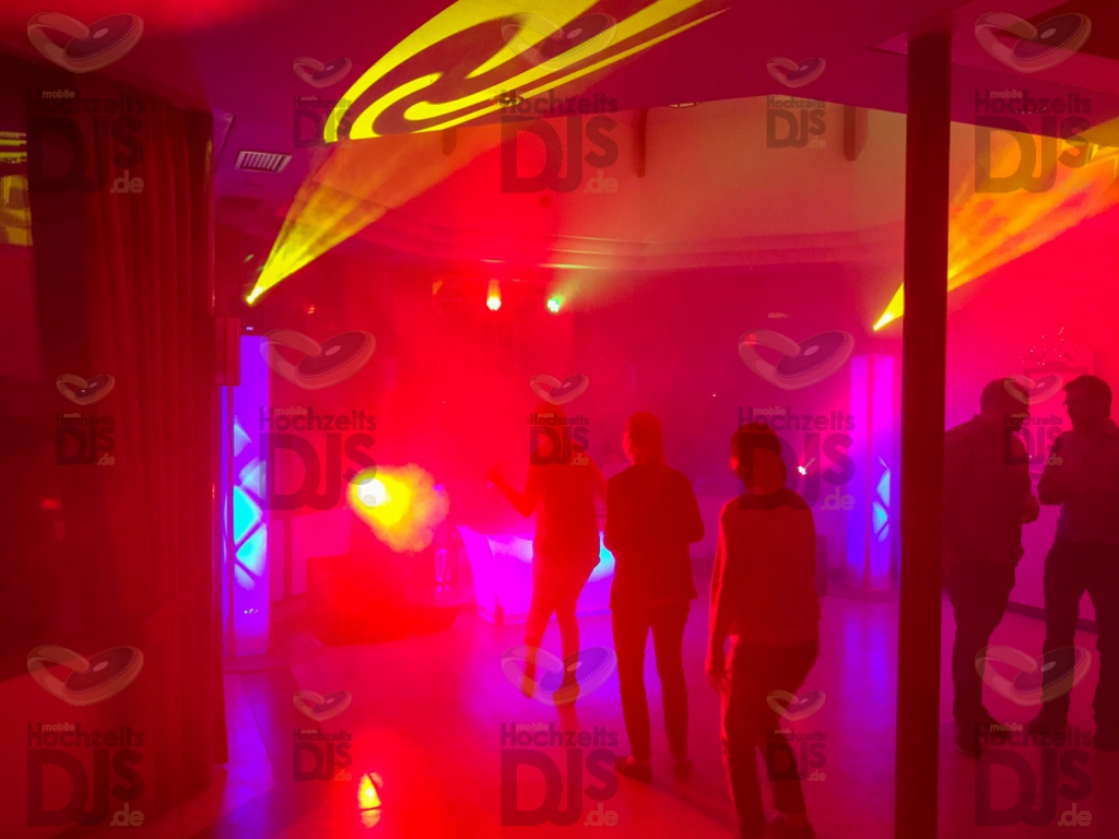 Party in der Galopprennbahn Köln (Hippodrom)