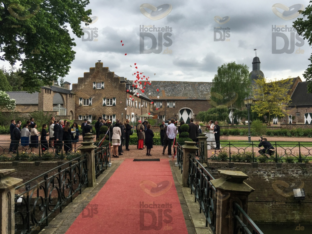 Ballons auf Burg Bergerhausen