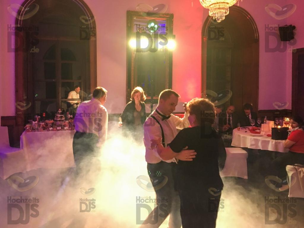 Hochzeitsfeier auf Burg Bergerhausen