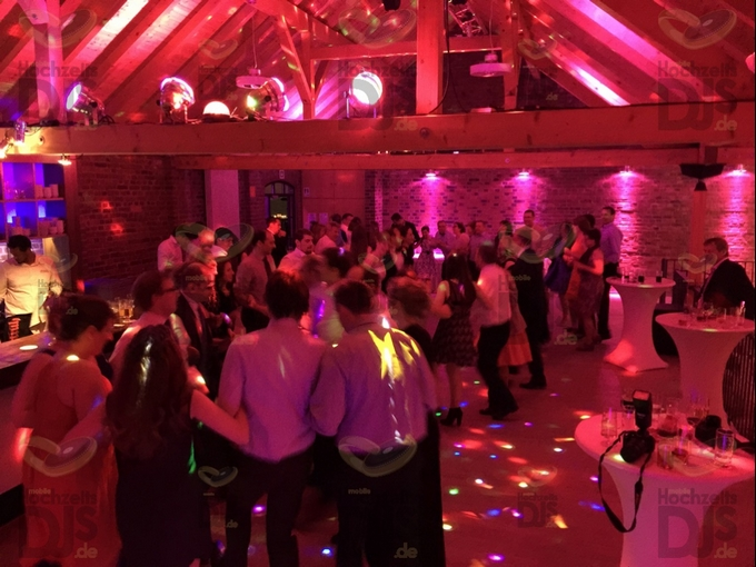 Hochzeitsfeier im Bullenstall des Klosterhofs Knechtsteden