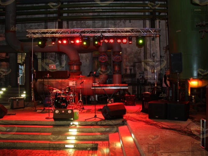 Aufbau DJ-Paket Superior A mit Extras in der Gebläsehalle im Landschaftspark Duisburg