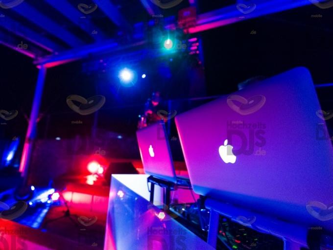 DJ Pult im MonBerg