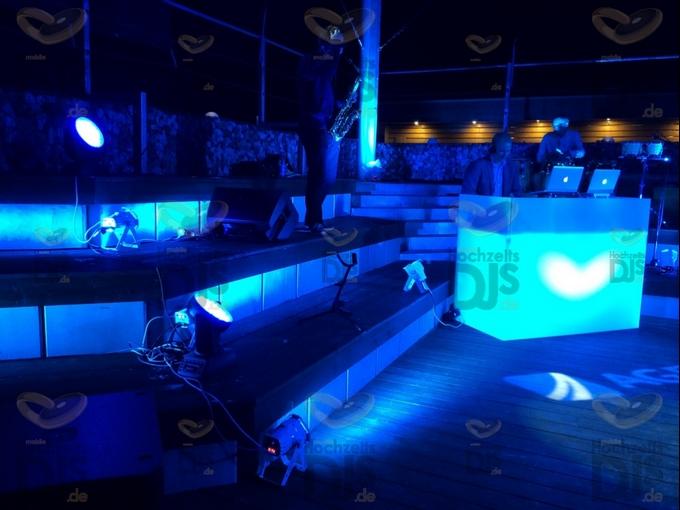 Lichtshow im MonBerg