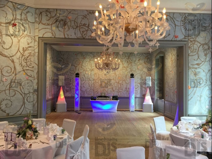 Aufbau DJ-Paket Superior B mit White Wedding Paket in Schloss Benrath