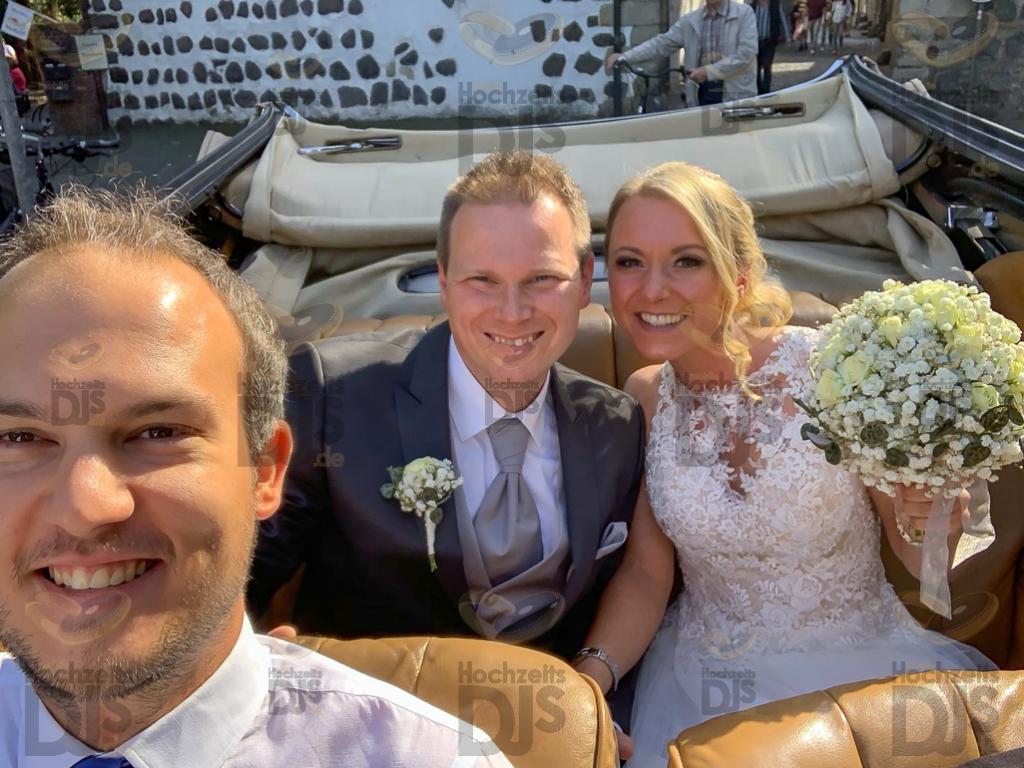 Schloss Friedestrom DJ mit Brautpaar