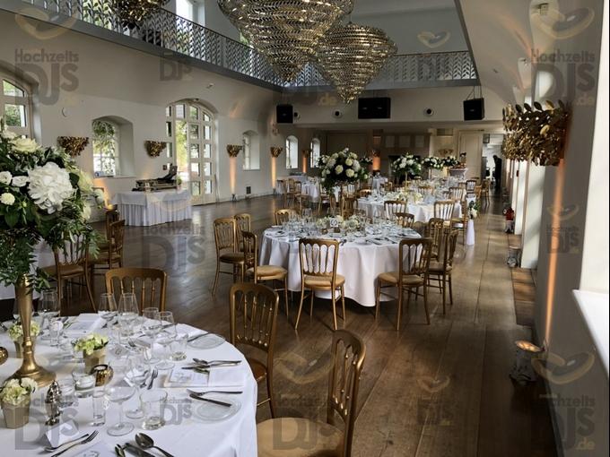 Ambiente bei Tag mit Floorspots in Schloss Gartrop
