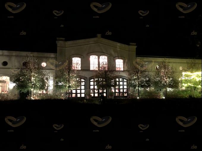 Schloss Gartrop bei Nacht