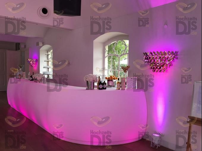 Beleuchtete LED Theke in Schloss Gartrop