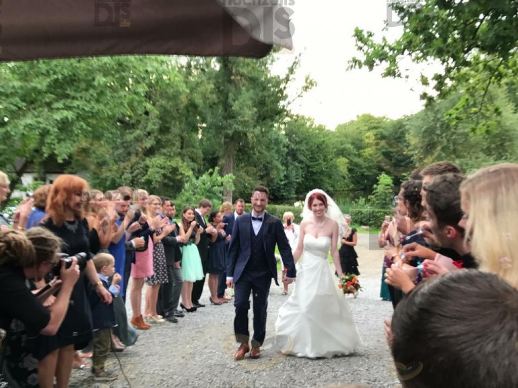 Ankunft des Brautpaares in Schloss Linnep
