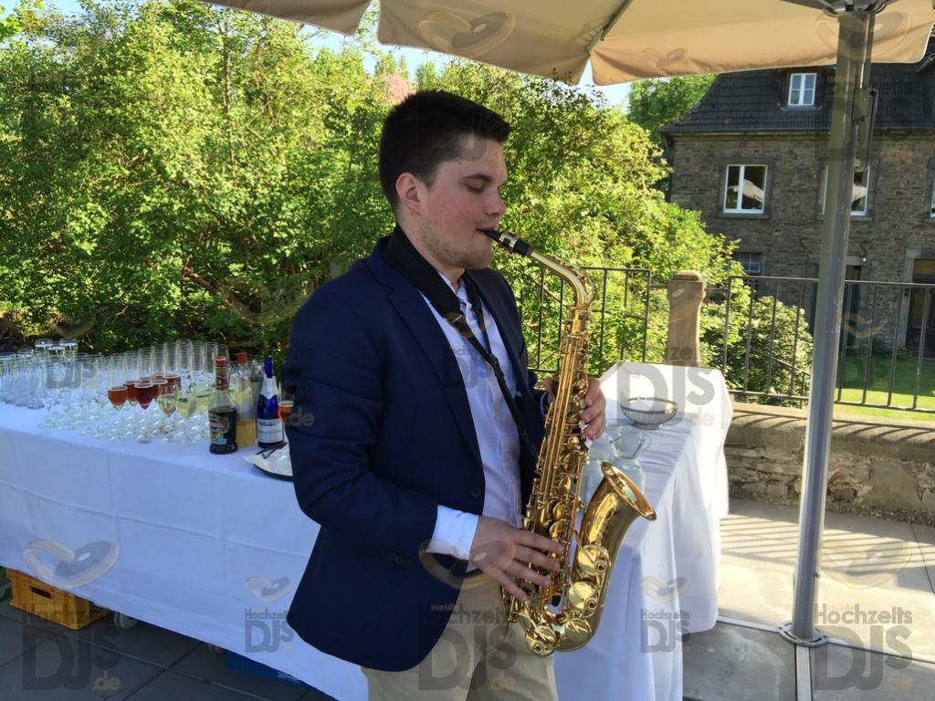 Saxophonist in Schloss Linnep