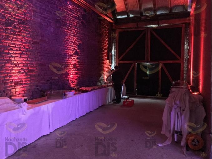 Buffet mit Floorspots in Schloss Meierhof