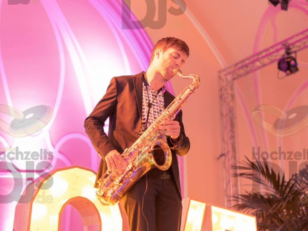 Saxophonist im Stadtgarten Steele
