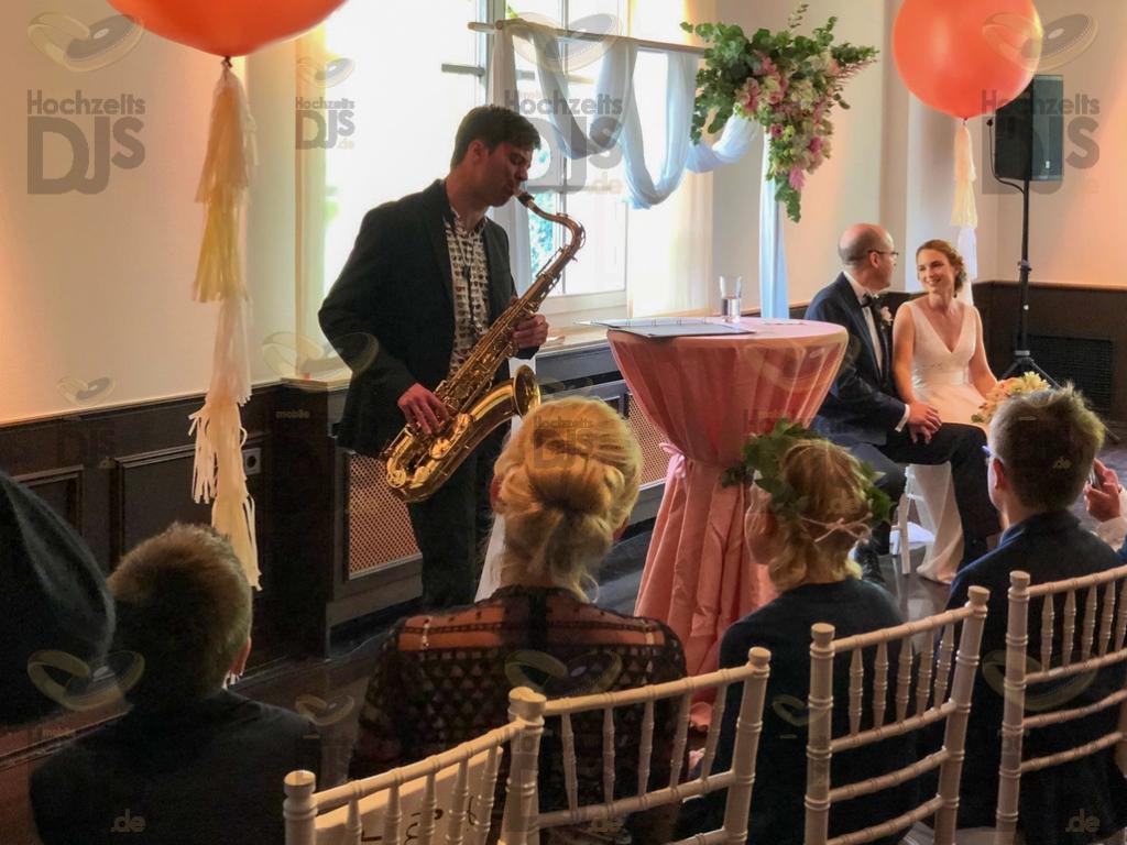Saxophonspieler im Stadtgarten Steele
