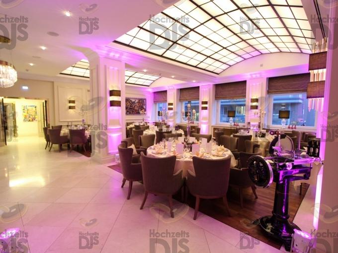 Ambiente mit Floorspots im Steigenberger Parkhotel