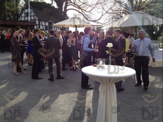 Hochzeitsempfang auf dem Hof von Gut Diepensiepen