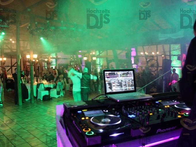 Die Tanzfläche aus der Sicht des DJ im Golfhotel Vesper