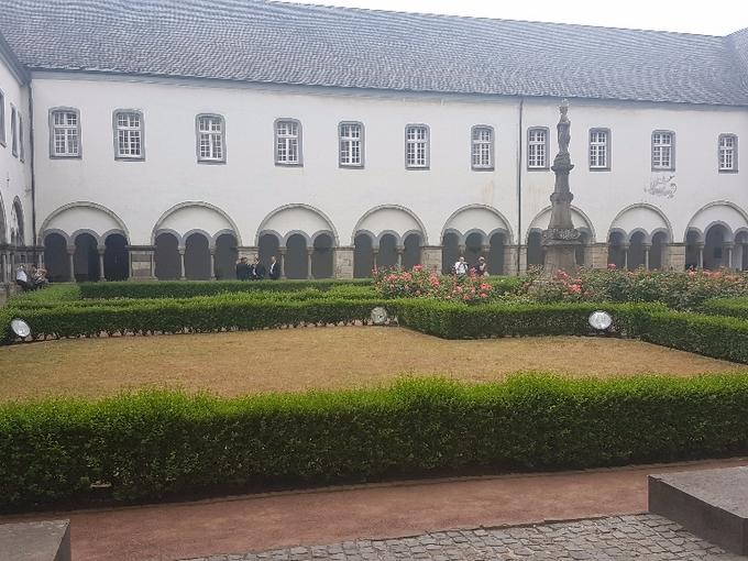 Hof der Abtei Brauweiler