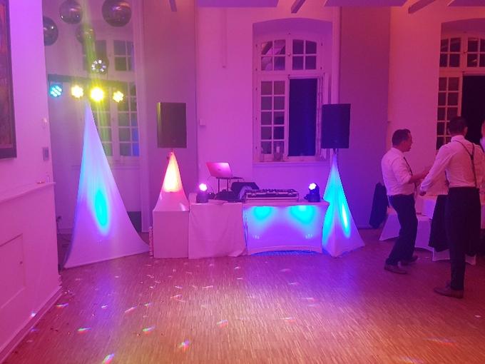 Aufbau DJ Paket Elegance mit White Wedding Paket in der Abtei Brauweiler