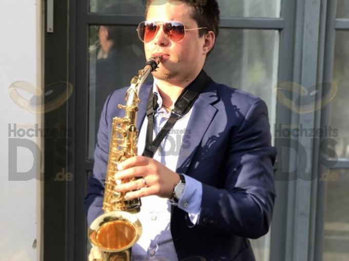 Saxophonist im Bayer Kasino