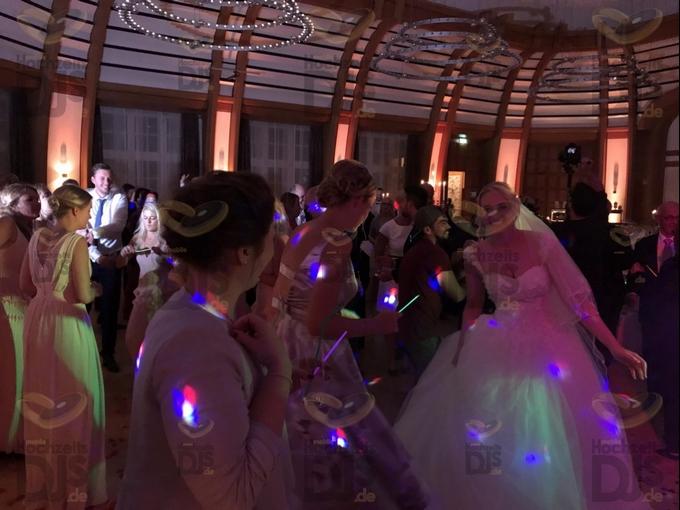 Braut im Bayer Kasino