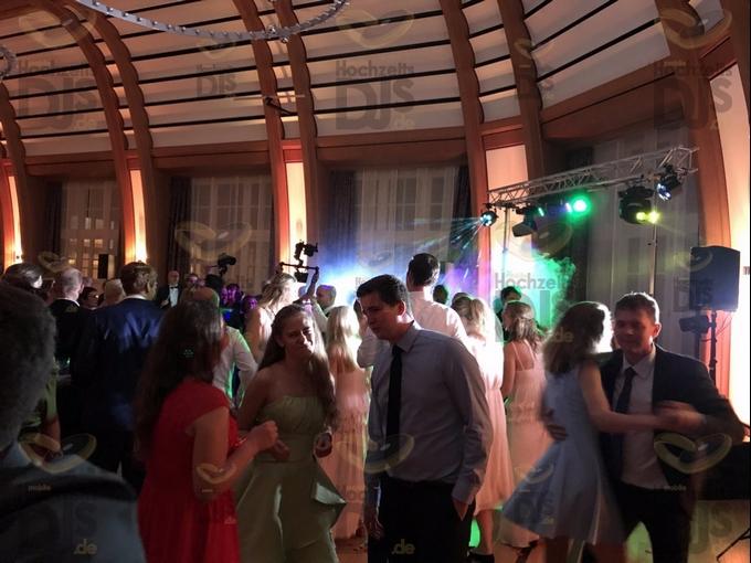 Hochzeitsparty im Bayer Kasino