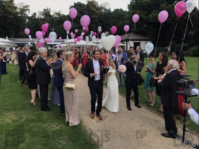 Brautpaar mit Luftballons im Club Astoria Köln