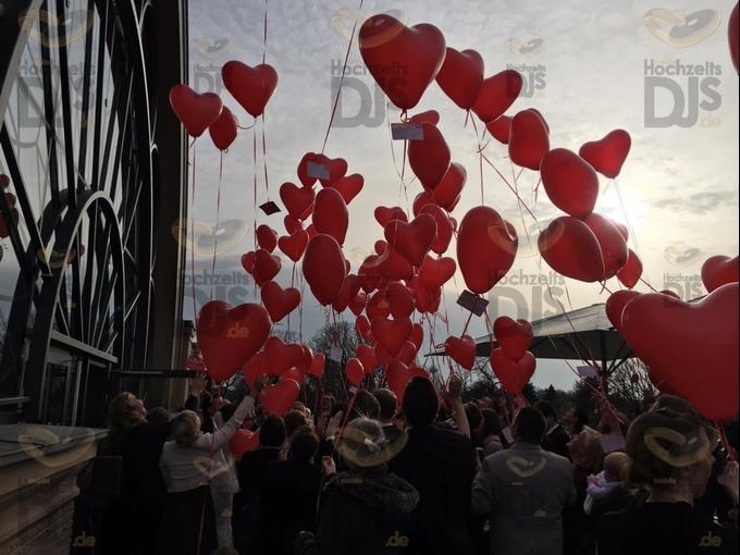 Luftballons in der Flora Köln