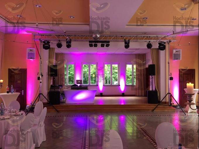 DJ-Paket Superior A mit Lichttechnik im Haus Mutterhaus