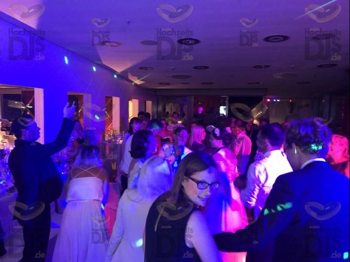 ausgelassene Feier im Kameha Grand Hotel Bonn