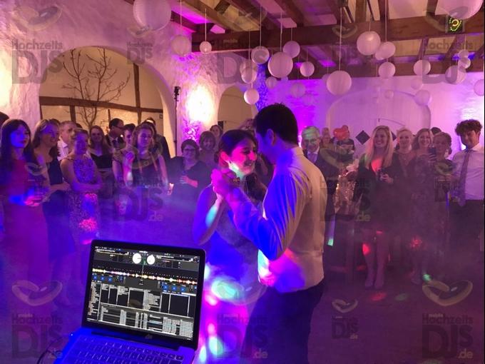 Hochzeitstanz im Niemeshof