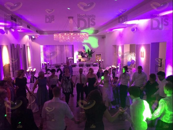 Hochzeitsparty im Rufes am Brunnen Schwelm