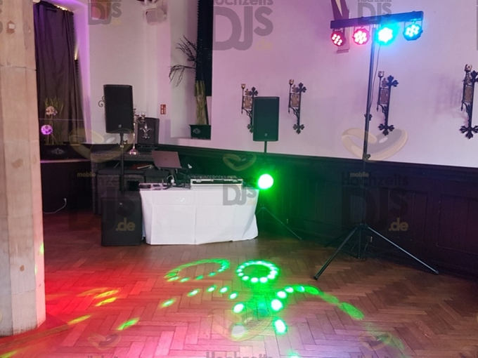 Aufbau DJ-Paket Elegance in Schloss Burg Solingen