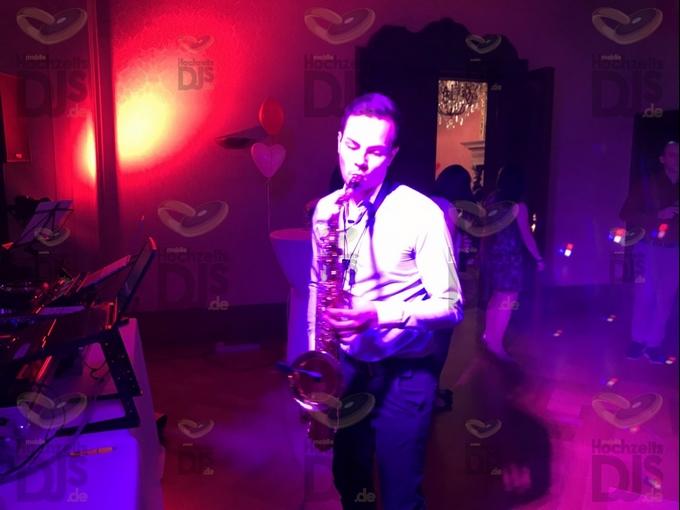 Saxophonist auf Hochzeitsfeier in Schloss Garath Düsseldorf