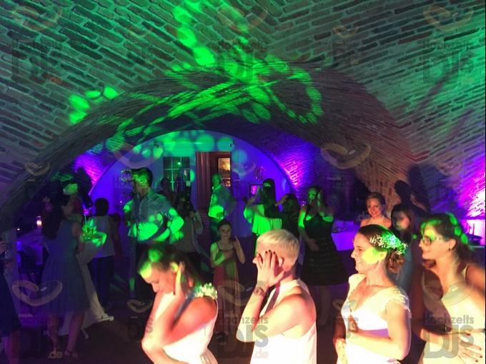 Hochzeitsfeier in Schloss Hertefeld Weeze